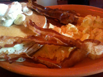 Brunch at Moose McGillycuddy's: Pancakes and Eggs